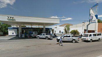 encapuchados se robaron $18 mil de una estacion de servicio
