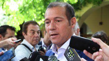 El gobernador piensa adherir al plan de retiros que propone Macri.