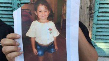 El cuerpo de Abril Sosa apareció en un baldío del barrio General Bustos.