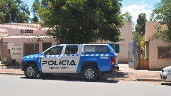 Personal policial ingresó ayer a la vivienda de la víctima en calle Perón al 500 en pleno centro de Rincón.