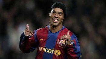 chau crack: ronaldinho anuncio su retiro del futbol profesional
