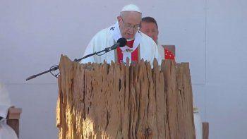 francisco pidio por la unidad y hablo del conflicto mapuche