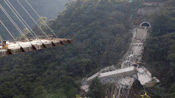 se salvaron por saltar al vacio desde un puente