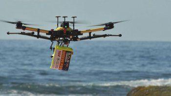 dron salvo a 2 chicos que se ahogaban