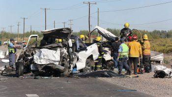 tragedia en la ruta 7: hay un demorado por el choque frontal que causo tres muertes