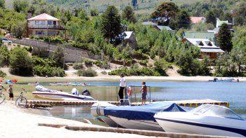 El intendente Badilla proyecta un paseo recreativo sobre el lago Aluminé. Demandará una inversión de $20 millones.