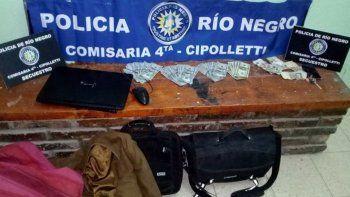 La Policía rionegrina exhibió todo el botín recuperado tras el robo.