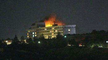 Los atacantes tomaron a varios turistas del hotel como rehenes.