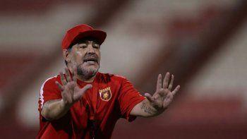 Maradona no dejó títere con cabeza.