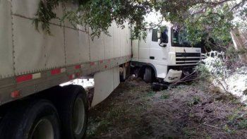 otro camionero chileno se accidento en el paso samore