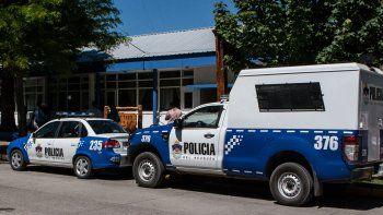 El violento ataque ocurrió en la vereda de una vivienda de San Martín de los Andes donde vivía la pareja.