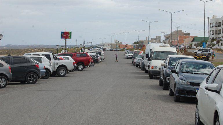 El control del estacionamiento medido en Las Grutas genera enojo en los operadores y comerciantes.