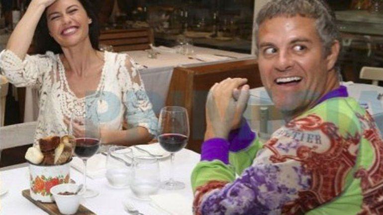 La pareja disfrutó una cena muy amigable y muchos aseguraron que estuvieron muy juntos.