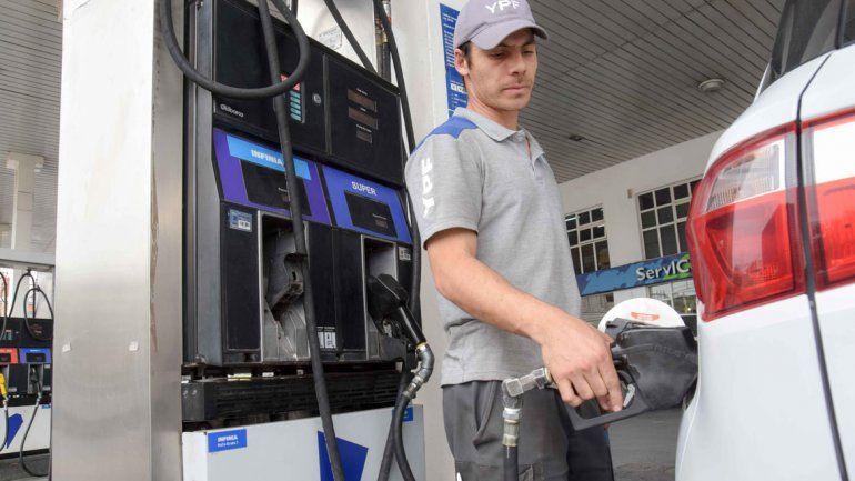 Los precios en las estaciones de YPF de Neuquén aumentaron el miércoles entre el 4 y el 4