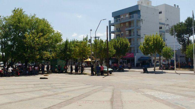 De forma pacífica, familias desalojan la toma en el barrio Alsogaray
