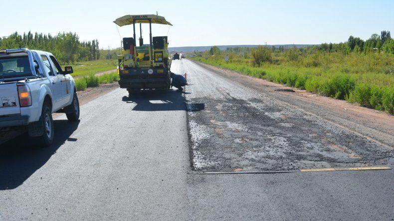 El plan de pavimentación comprende 6800 metros de ruta.