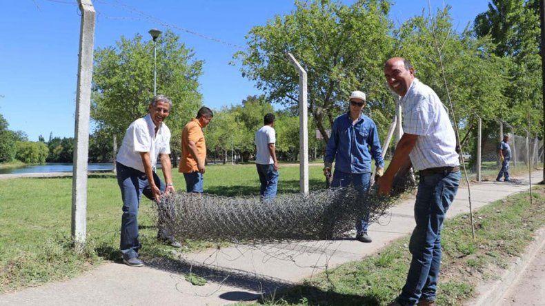Retiran un alambrado histórico para unir el Albino Cotro con el barrio