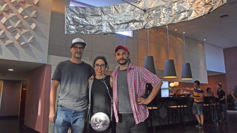 Andrea Scatena acompaña a los artistas.