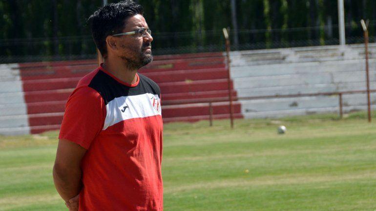 Dolido. El entrenador de Independiente se mostró golpeado tras la goleada ante Cipo