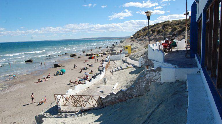 En la bajada de La Rinconada todo es blanco. El estilo se inspira en las construcciones más tradicionales del Mediterráneo que soñó el artista Páez Vilaró.