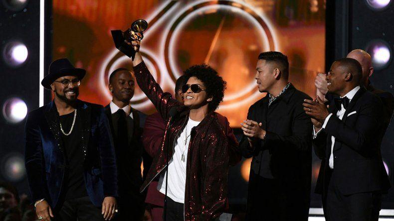 Bruno Mars fue el rey de la noche: ganó seis premios Grammy en todas las categorías a las que estaba nominado