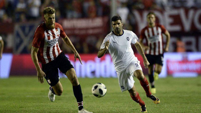 Estudiantes se le plantó de igual a igual al Rojo en el Libertadores de América y se llevó un triunfazo en el regreso de la Superliga.