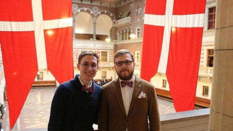 El Ministerio del Interior despedirá a la funcionaria que registró el matrimonio de Pável y Yevgueni en Rusia.