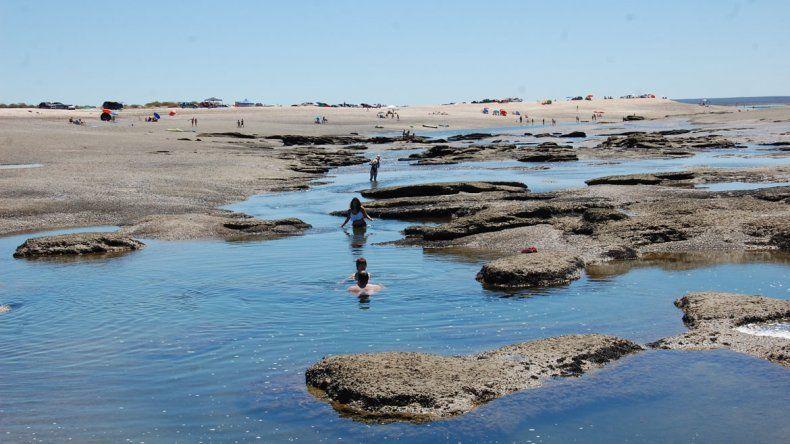 Es habitual que en verano la temperatura del agua pase de tibia a caliente.