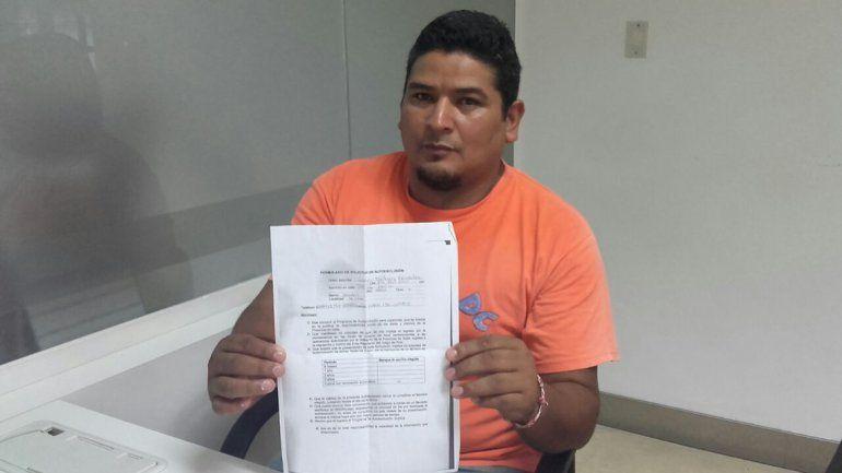 Juan González tiene 40 años y hace 20 que juega y no puede parar.