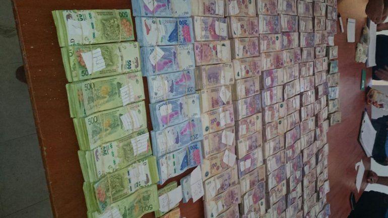 En la casa había 1.809.000 pesos en efectivo y 600 dólares.