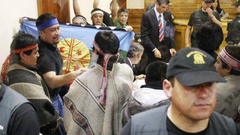 El Gobierno quiere esclarecer el arresto de ocho mapuches.