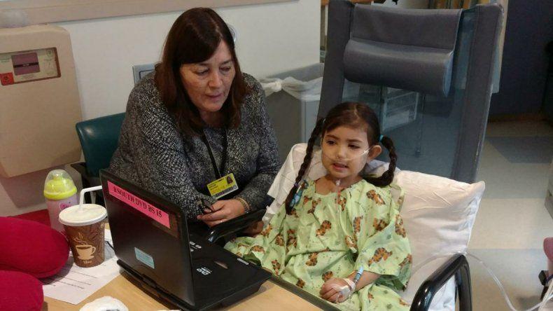 Bianca está sin respirador y hasta caminó tras la operación