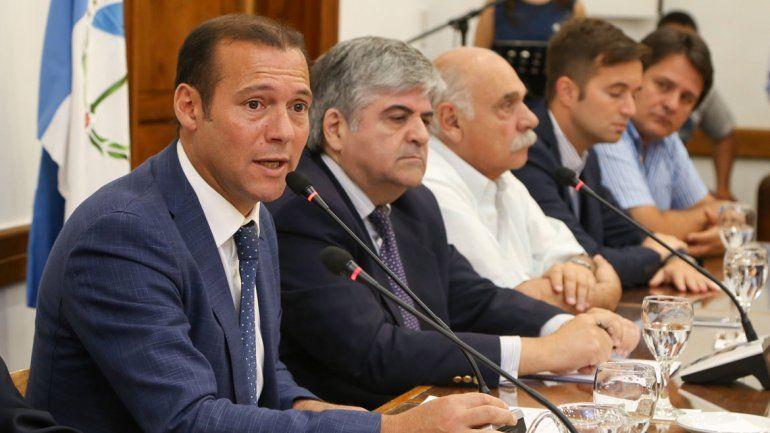 El gobernador y las autoridades de YPF