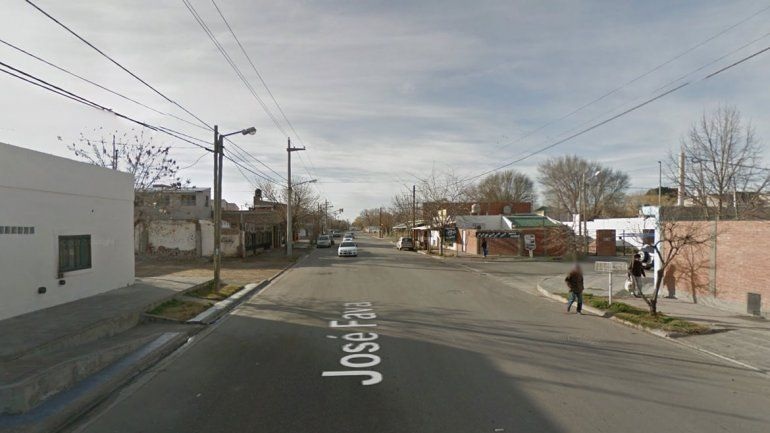 Un hombre fue apuñalado en una pelea callejera en el Bajo