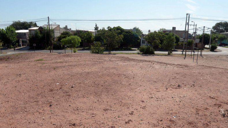 El terreno donde se levantarán los departamentos.