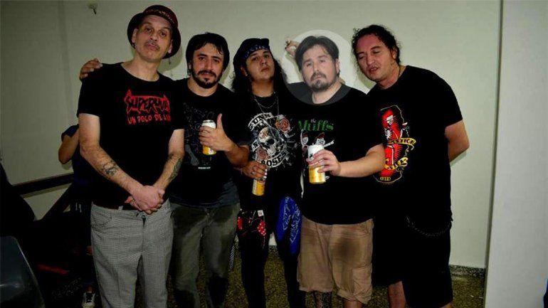 Juan Ledesma defendió a un compañero de la banda a la salida del bar Don Pedro y recibió puntazos en la panza.