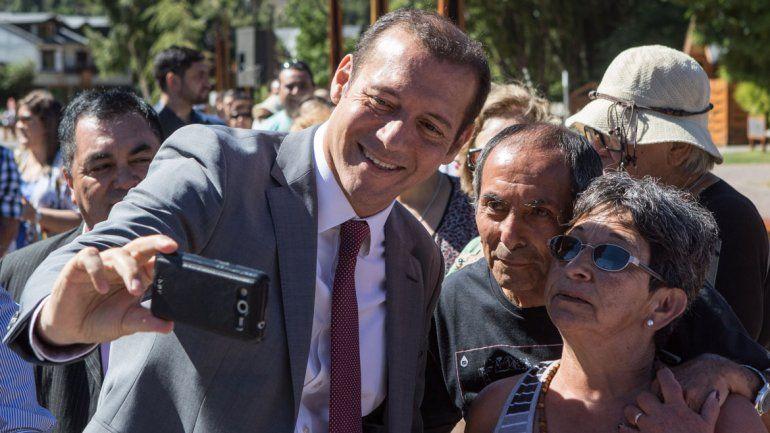 El gobernador Omar Gutiérrez participó de la celebración de los vecinos de San Martín de los Andes.