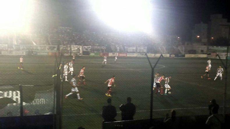 Desconcierto en La Visera: Cipolleti perdió 1 a 0 ante Sansinena