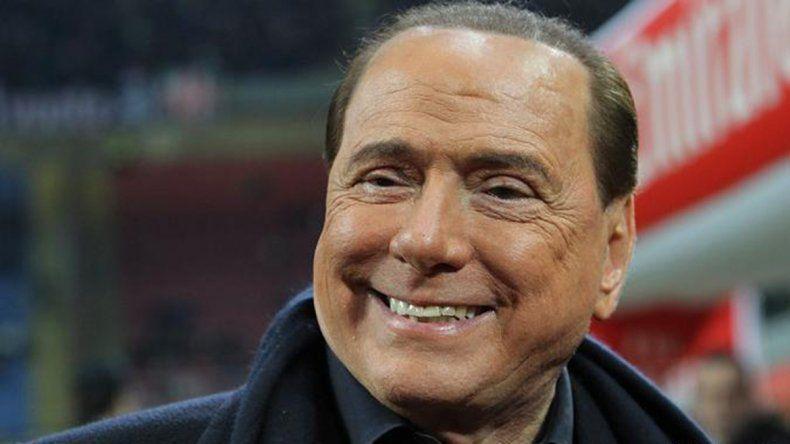 Berlusconi pidió echar a 600 mil inmigrantes: Son una bomba social
