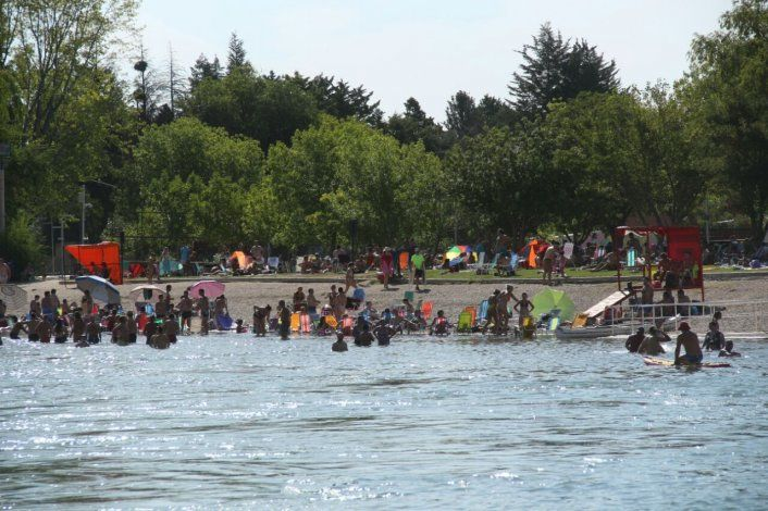 Alrededor de 85 mil personas coparon los balnearios del río Limay