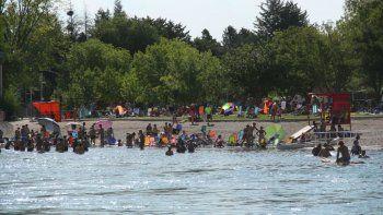 Alrededor de 85 mil personas coparon los balnearios del Limay