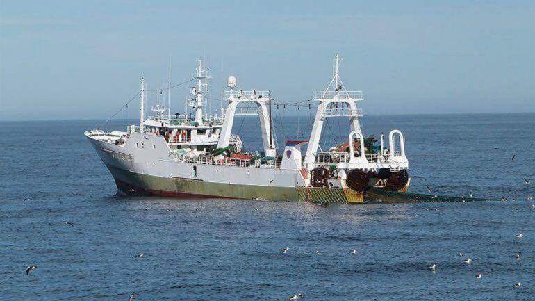 Capturan buque español con 320 toneladas de pesca ilegal