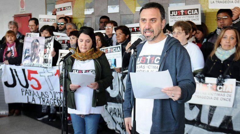 No quieren que los sindicalistas homenajeen a las víctimas del choque.
