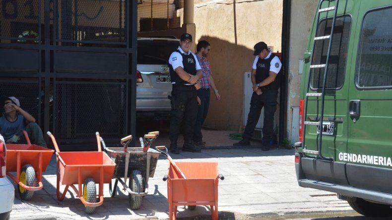 Los allanamientos en los departamentos de Mariano Moreno.