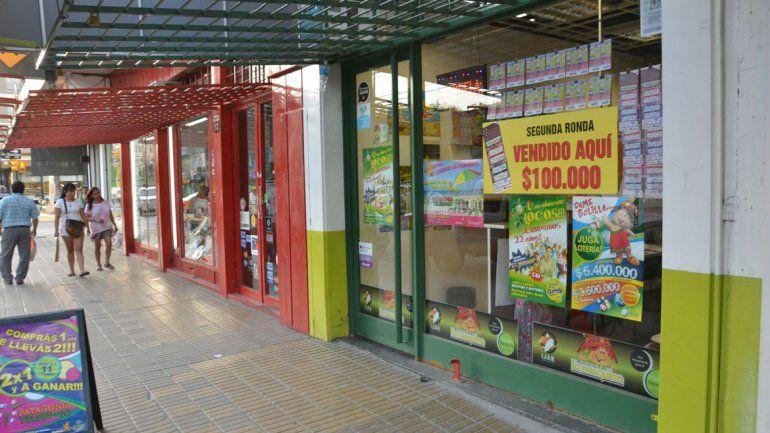 El robo ocurrió en la agencia de lotería ubicada en Perito Moreno al 300.