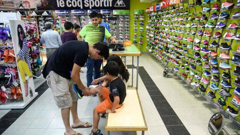 Algunos comerciantes aseguran que el impacto del aumento en la canasta escolar respecto de 2017 no fue tan grande como en otros artículos.