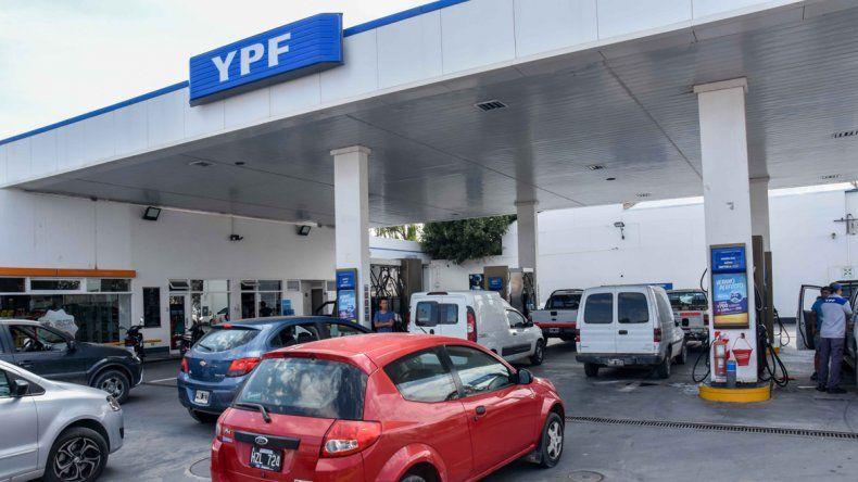 La nafta subió más del doble que el IPC en la provincia
