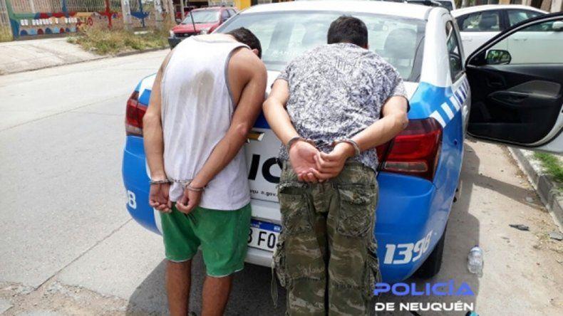 Los jóvenes fueron detenidos luego de unapersecución.