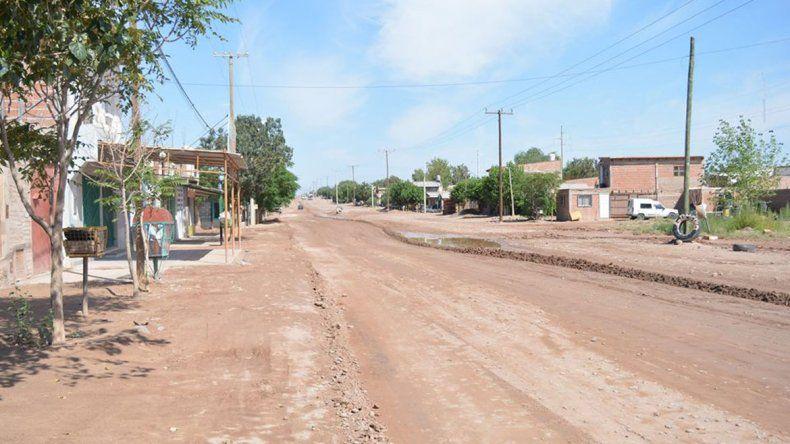 Todavía algunas calles de la ciudad permanecen con agua.