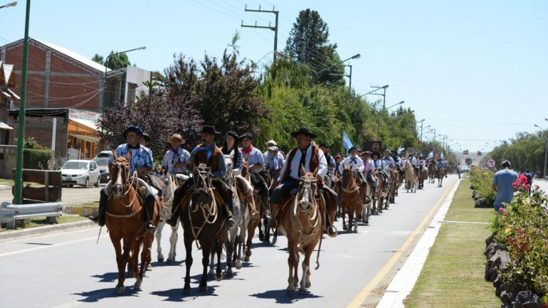 Con el desfile, arrancó la 30° Fiesta del Puestero en Junín de los Andes